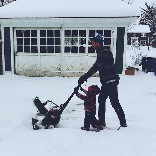 winter-boy-dad-snow