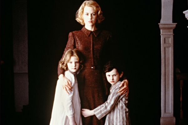 Nicole Kidman and two kids in The Others