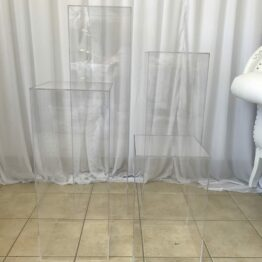 Square Clear Plinths