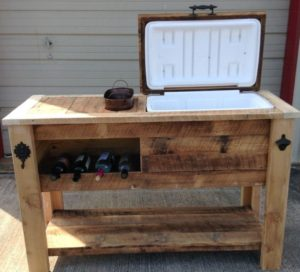 barnwood-rustic-cooler-with-wine-rack-built-in-ice-chest