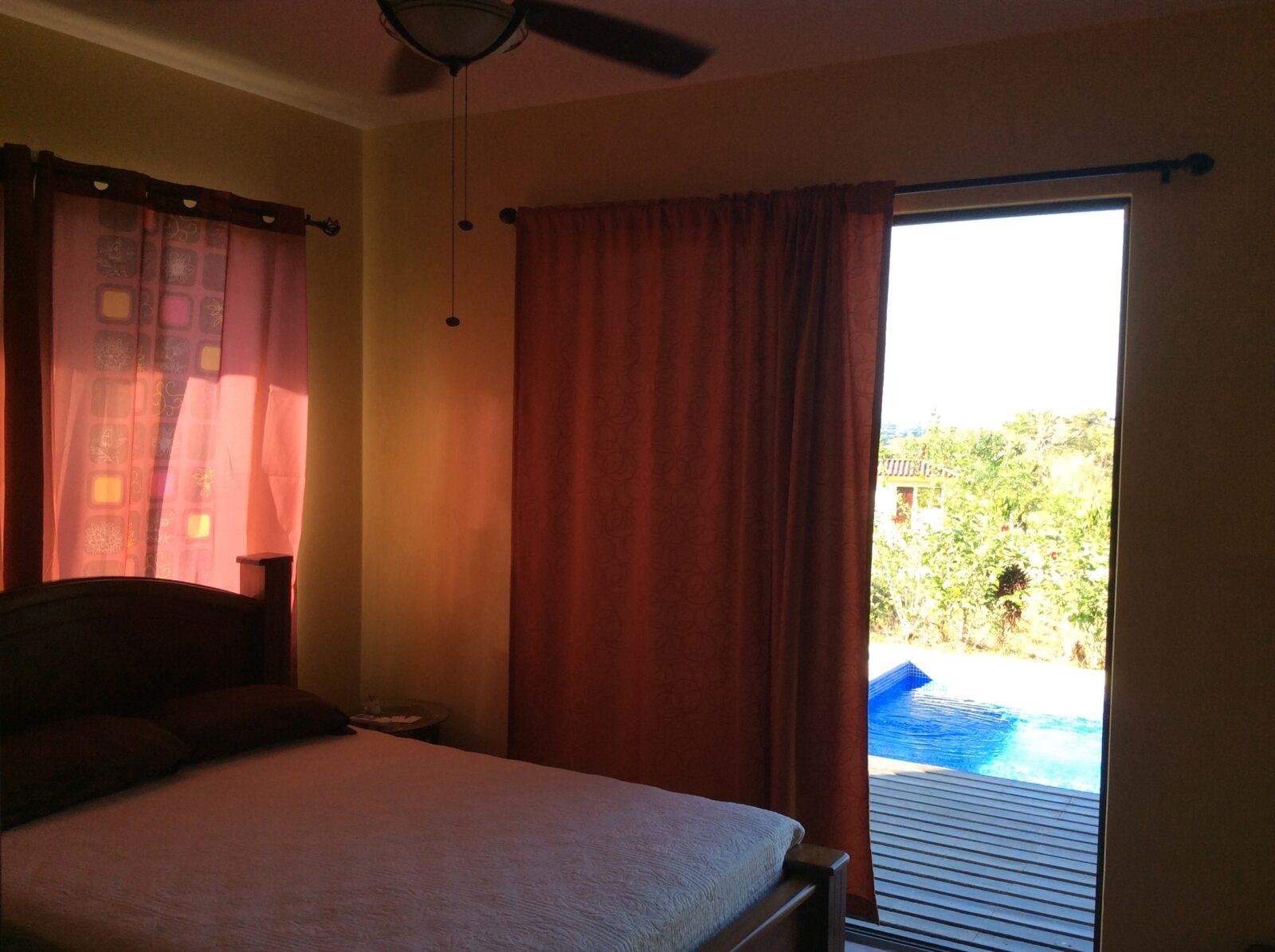 bedroom trogon costa rica