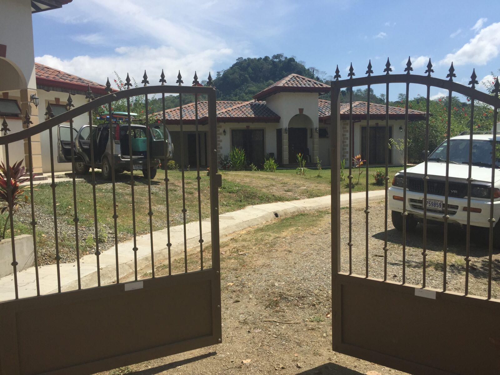 villa security herradura