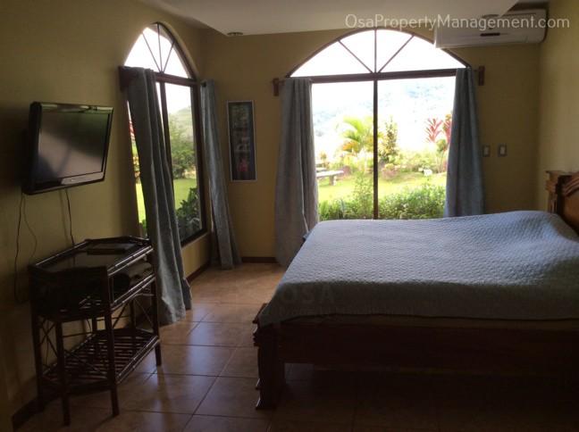 casa lapas master suite bed