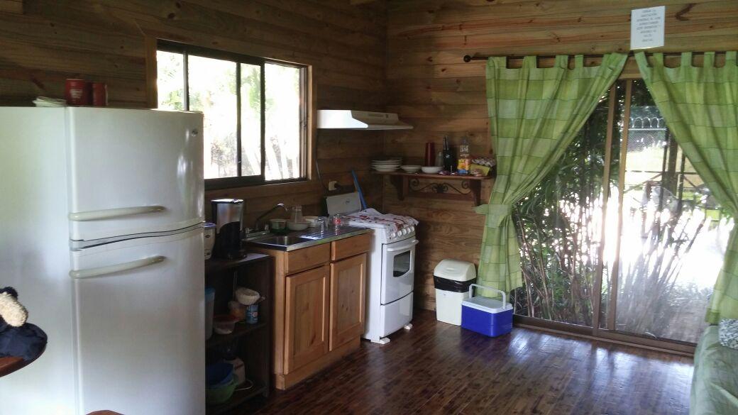 Uvita cabina kitchen