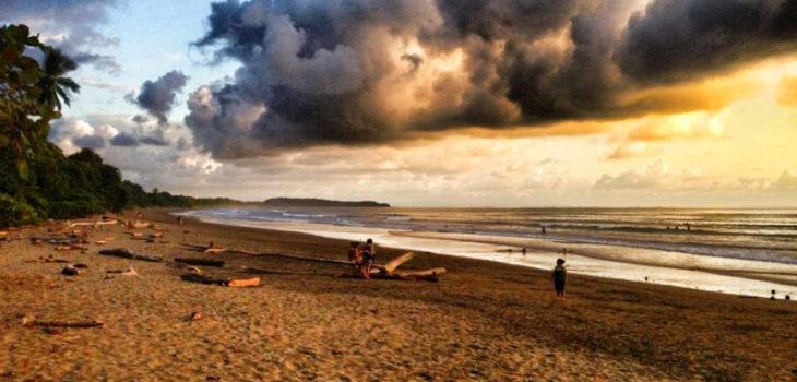playa hermosa de osa sunset clouds