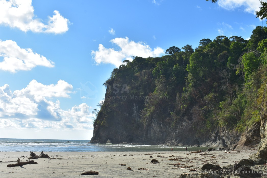 playa tortuga ojochal north cliffs