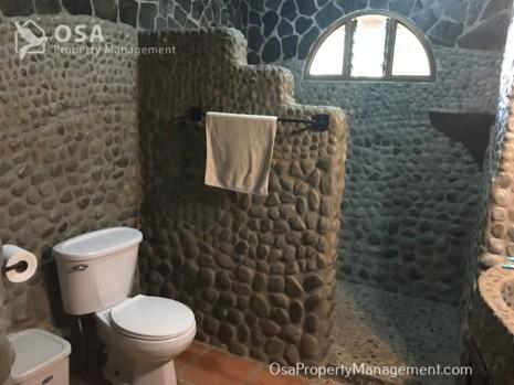 uvita home rental micca bathroom