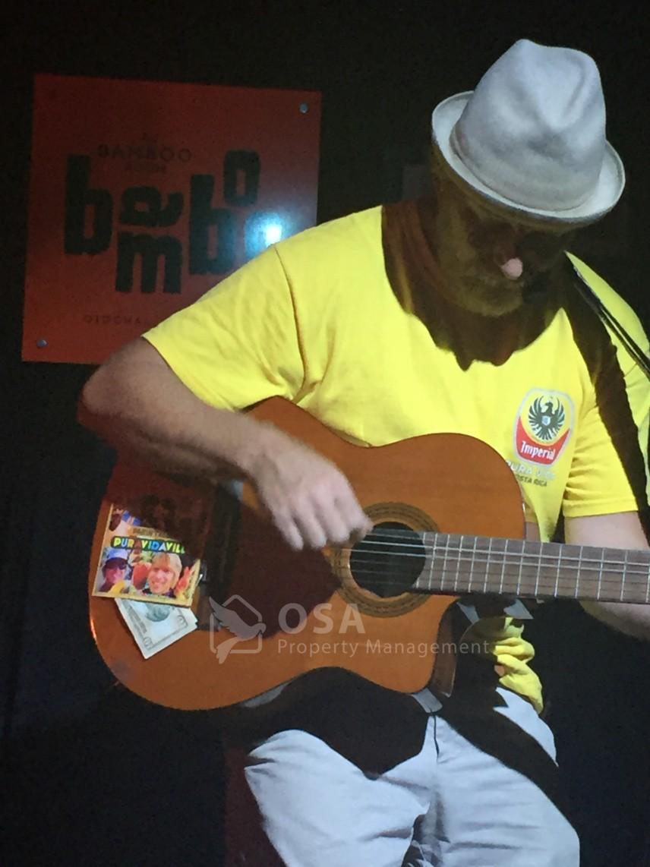 darin talbot bamboo room ojochal guitar