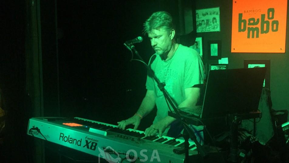 bamboo room ojochal john chantry keyboard