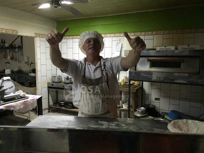 Fabrizzio's Pizza