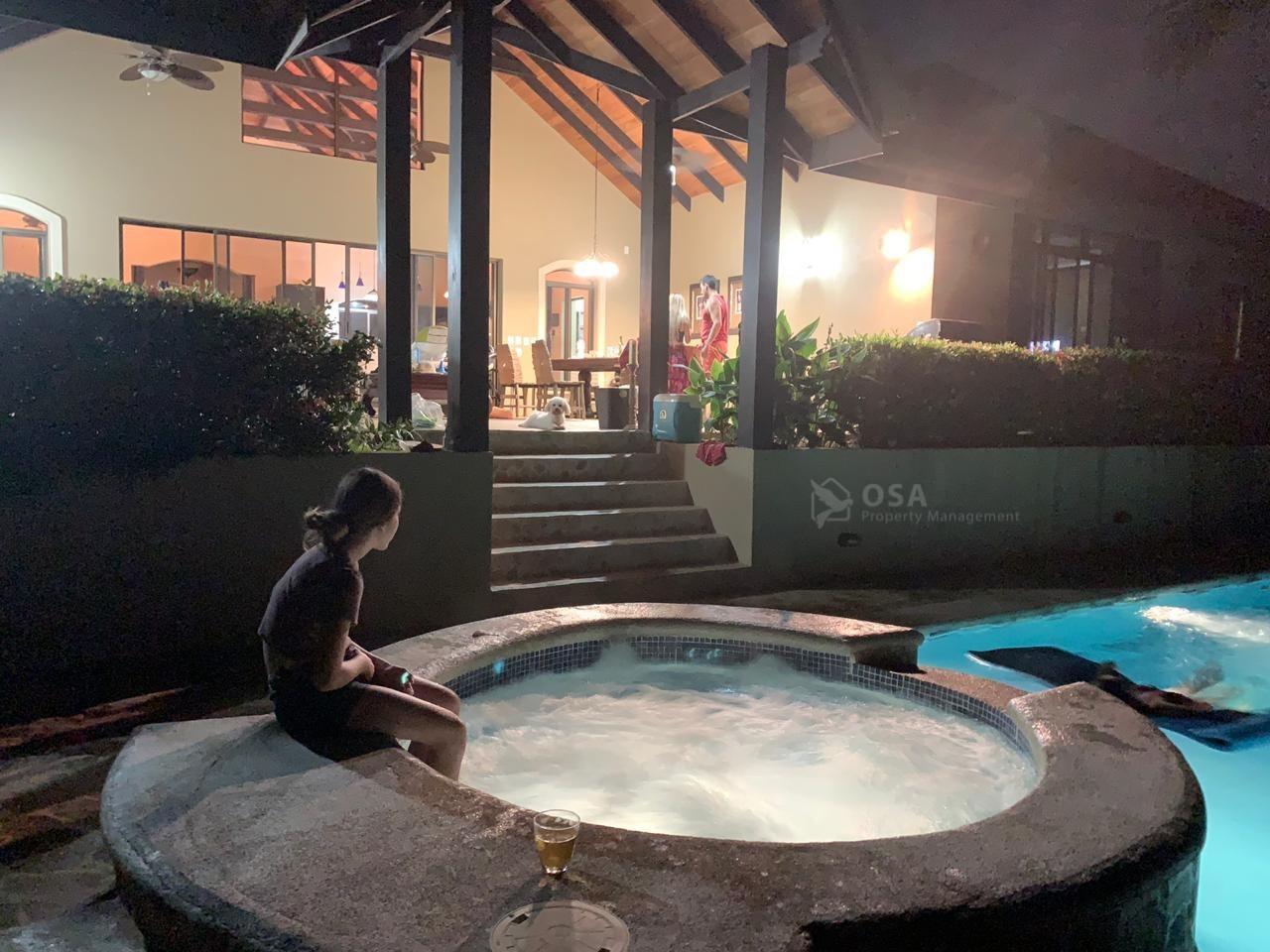 ojochal luxury rental aventura jacuzzi