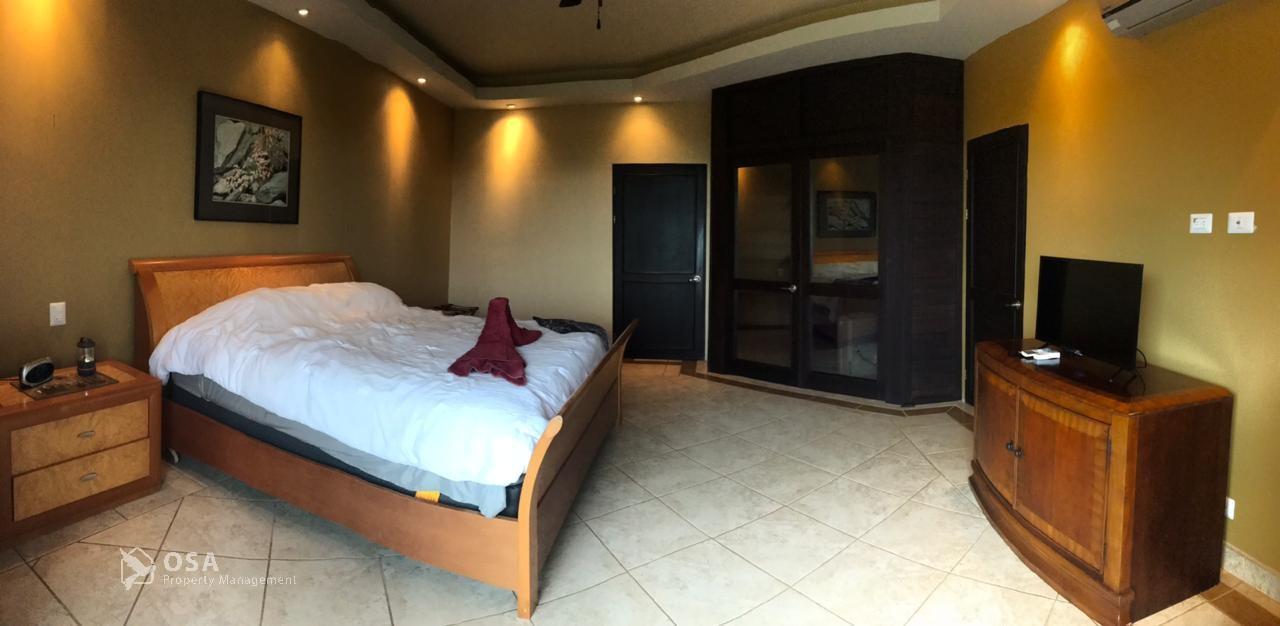 aventura ojochal master suite