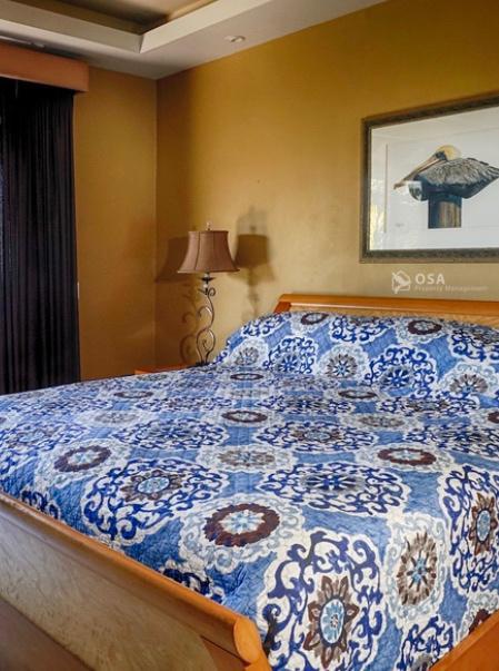 casa aventura ojochal master suite bed