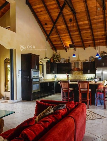 casa aventura ojochal kitchen sala