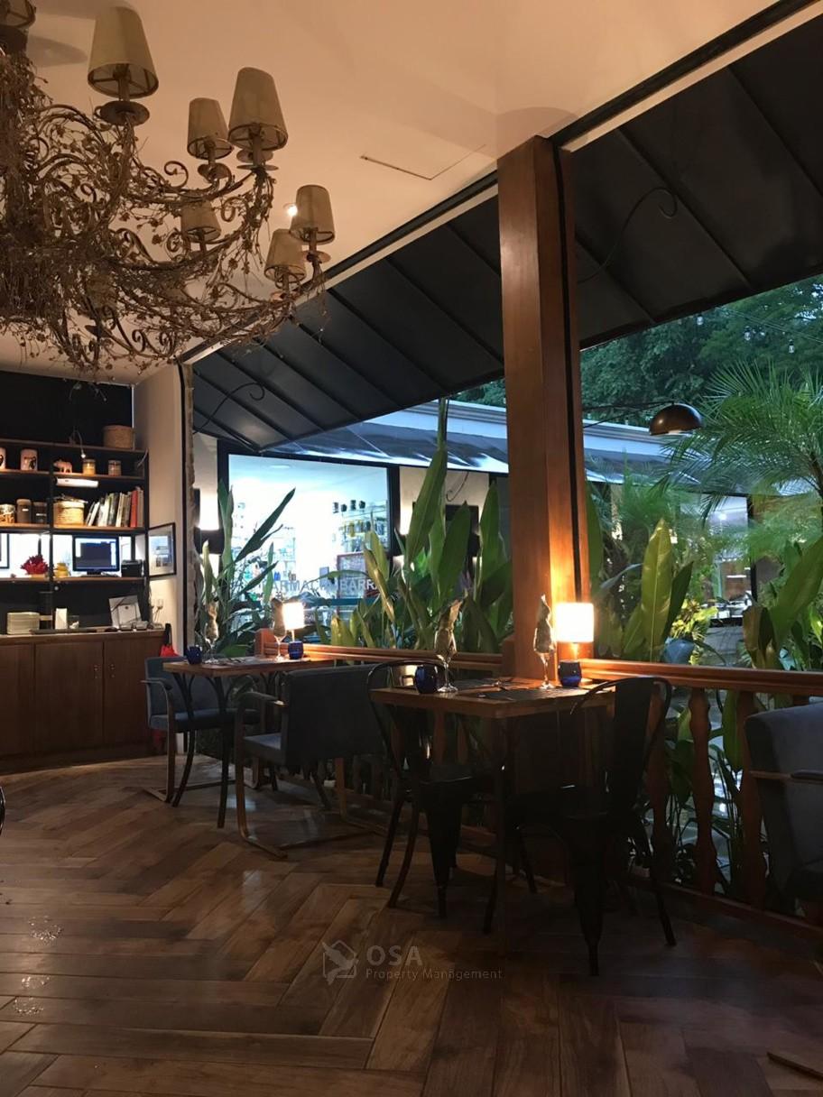 citrus ojochal restaurant inside