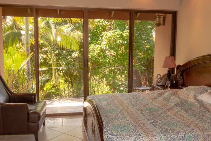weekend getaway in ojochal casa aventura king suite 2