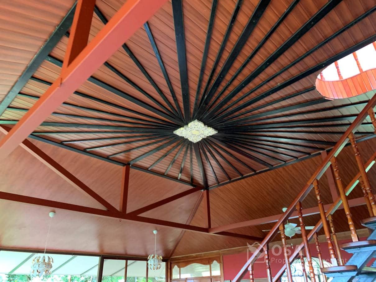ballena lookout penthouse ceiling
