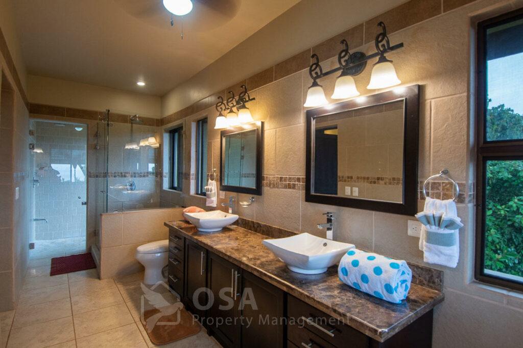 casa aventura ojochal bathroom
