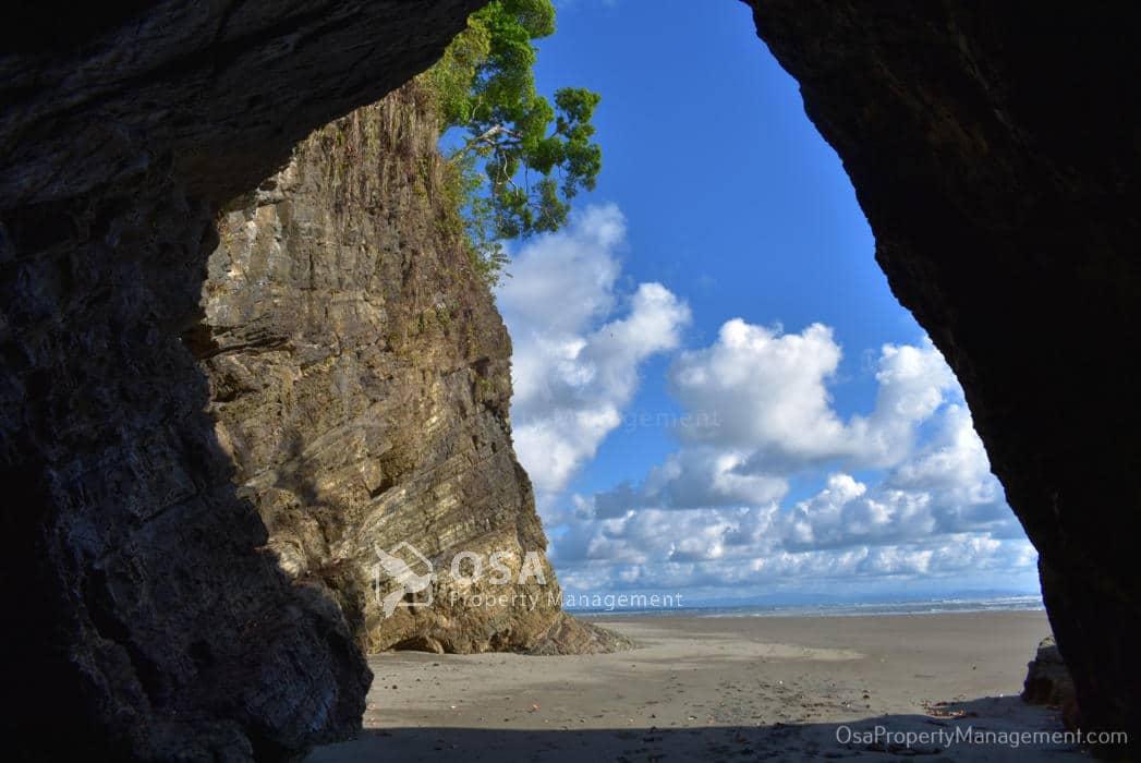 playa tortuga beach ojochal north