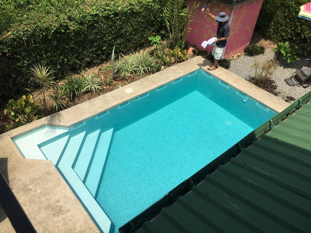 casa helena pool
