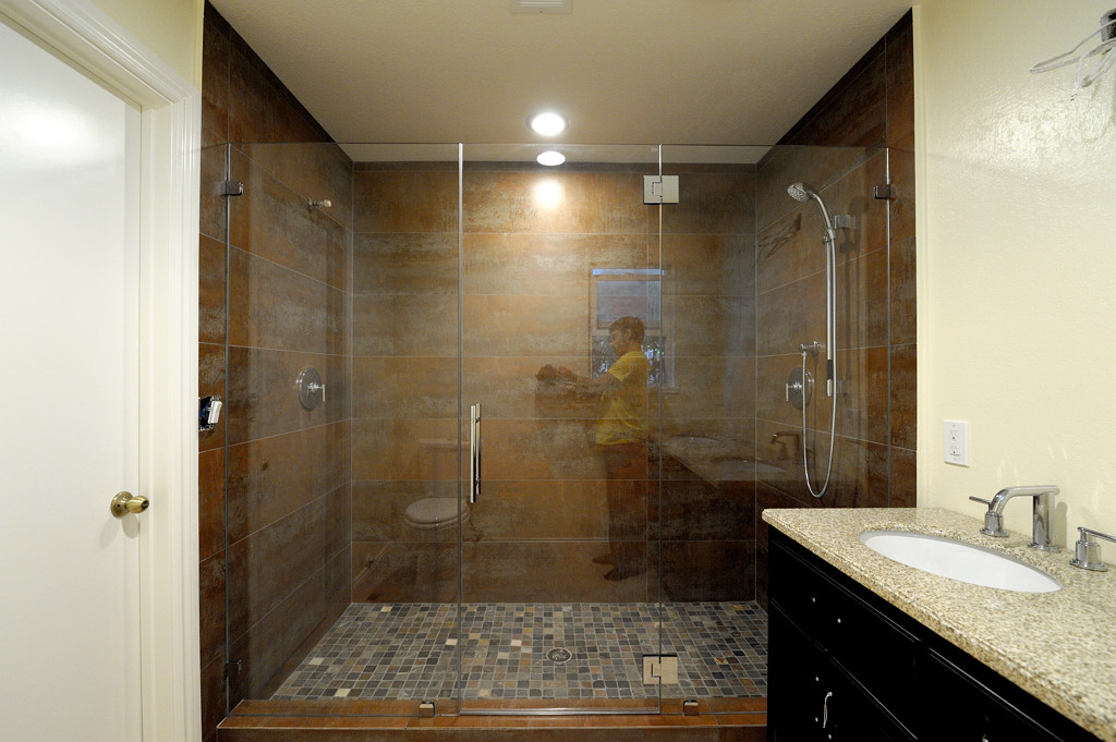 custom-shower-enclosures-19