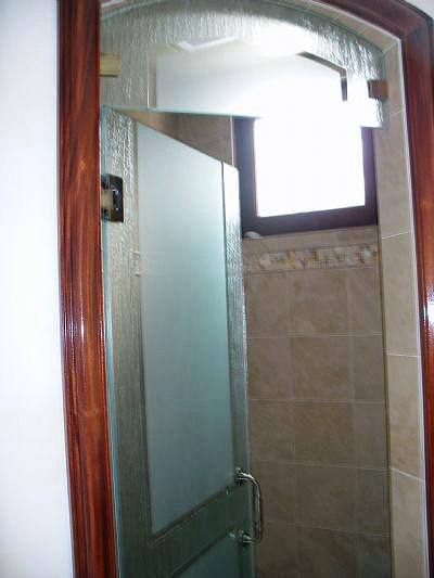 custom-shower-enclosures-31