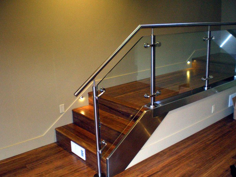 glass-railing-systems_18