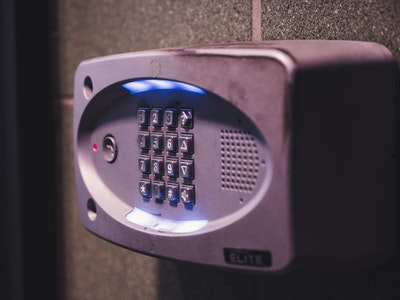 How Do Wireless Security Systems Work?