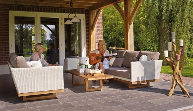 4 Easy Ways to Make the Most of Your Outdoor Living Space | HFG Tips