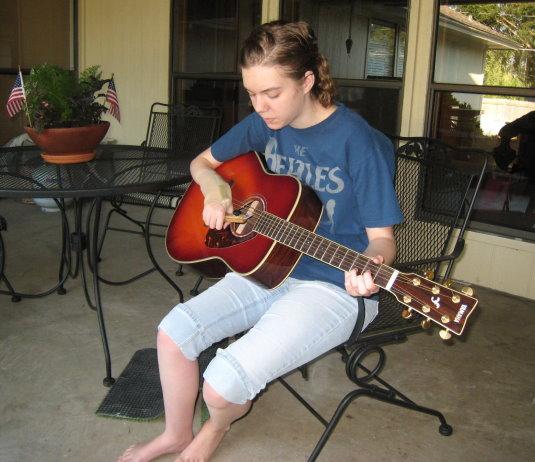 Kids with Hemiplegia Can Play the Guitar