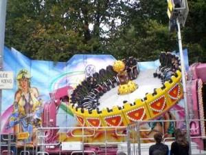 Le Spin Fly, une des attractions à sensation de la Foire Saint martin à Angers