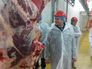 Credit AM - Luc Belot en visite à la SCAVO à Cholet et chez un éleveur de veaux bio