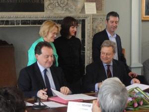 """Frédéric Béatse, maire d'Angers, et François Burdeyron, préfet de Maine-et-Loire, ont signé la nouvelle convention """"Angers Ville d'art et d'histoire"""""""