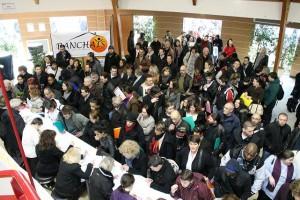 crédit Angers loire métropole.Le forum pour l'emploi d'Angers attire la foule chaque année