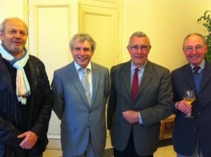 de gauche à droite : Mr Angelucci, J-P Chavassieux, membre du Conseil Général, J. Bizard, Président de l'ASPEJA, et B. Du Jonchay propriétaire de jardins et membre de l'ASPEJA