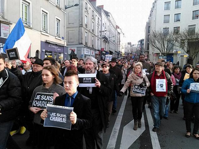 Credit AM - Historique, plus de 45000 angevins dans la rue !