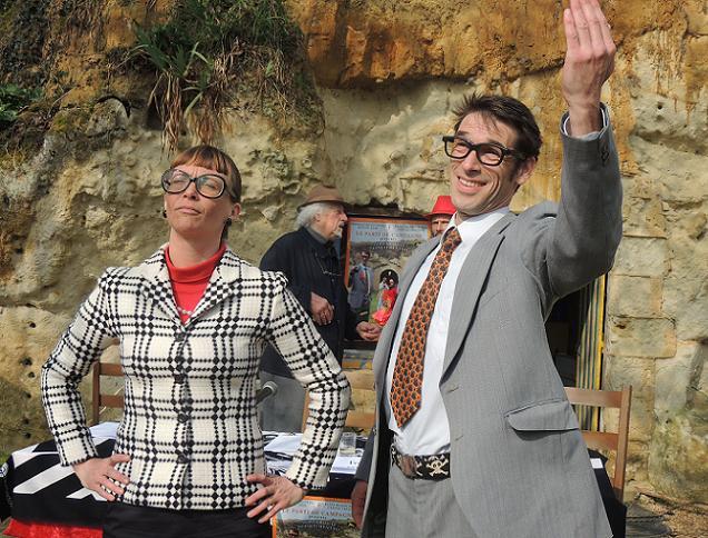 François Cotrel et Elise Blanchard, candidats du Parti d'en rire sur le canton de Doué la Fontaine.