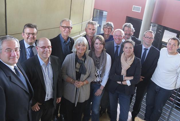 Hier soir, le MEDEF Anjou, l'Inspection académique et la Direction diocésaine de l'enseignement catholique de Maine et Loire ont réuni les entrepreneurs, enseignants et personnels de direction des établissements publics et privés pour dresser un bilan du Challenge « éducation - entreprise » 2014-2015.