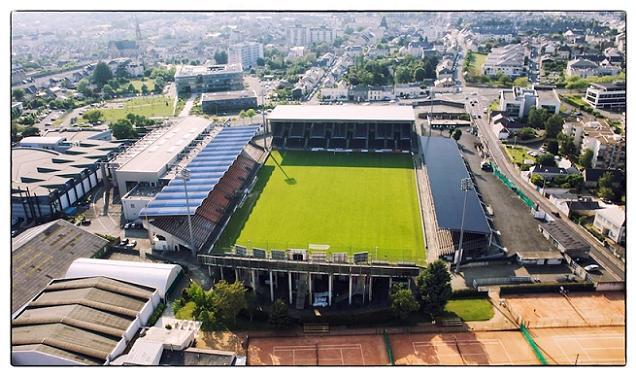 Promesse du maire d'Angers, les toilettes du Stade Jean-Bouin seront refaites pour la ligue 1.