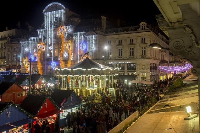 Crédit Thierry Bonnet - Ville d'Angers. Soleils d'Hiver est de retour à Angers du 28 novembre au 31 décembre.