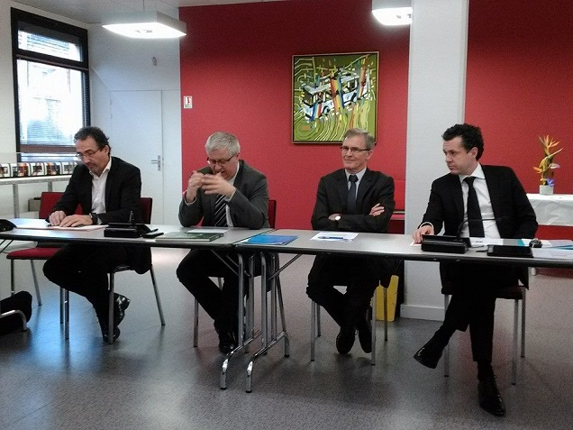 Christophe Béchu avec les dirigeants de l'ISTOM ce matin à Angers
