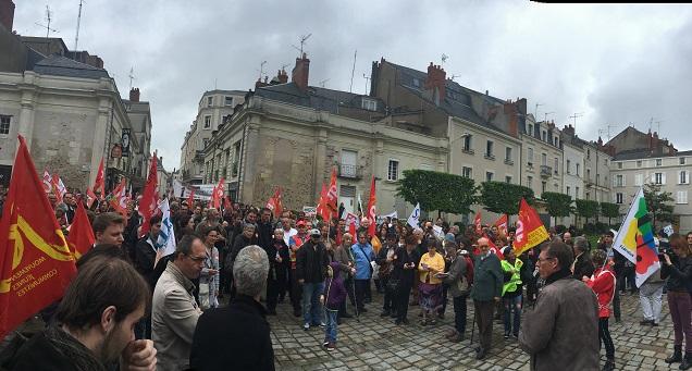 Credit CQ. Manif Loi travail à Angers.Peu de monde ce matin devant la Préfecture