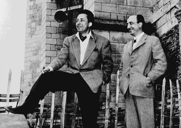 Albert Camus et Jean Morin, préfet de Maine-et-Loire, château d'Angers, 1953. Archives départementales de Maine-et-Loire.
