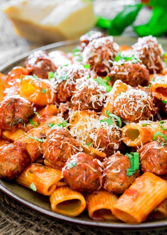rigaton-con-polpette-and-arrabiata-sauce
