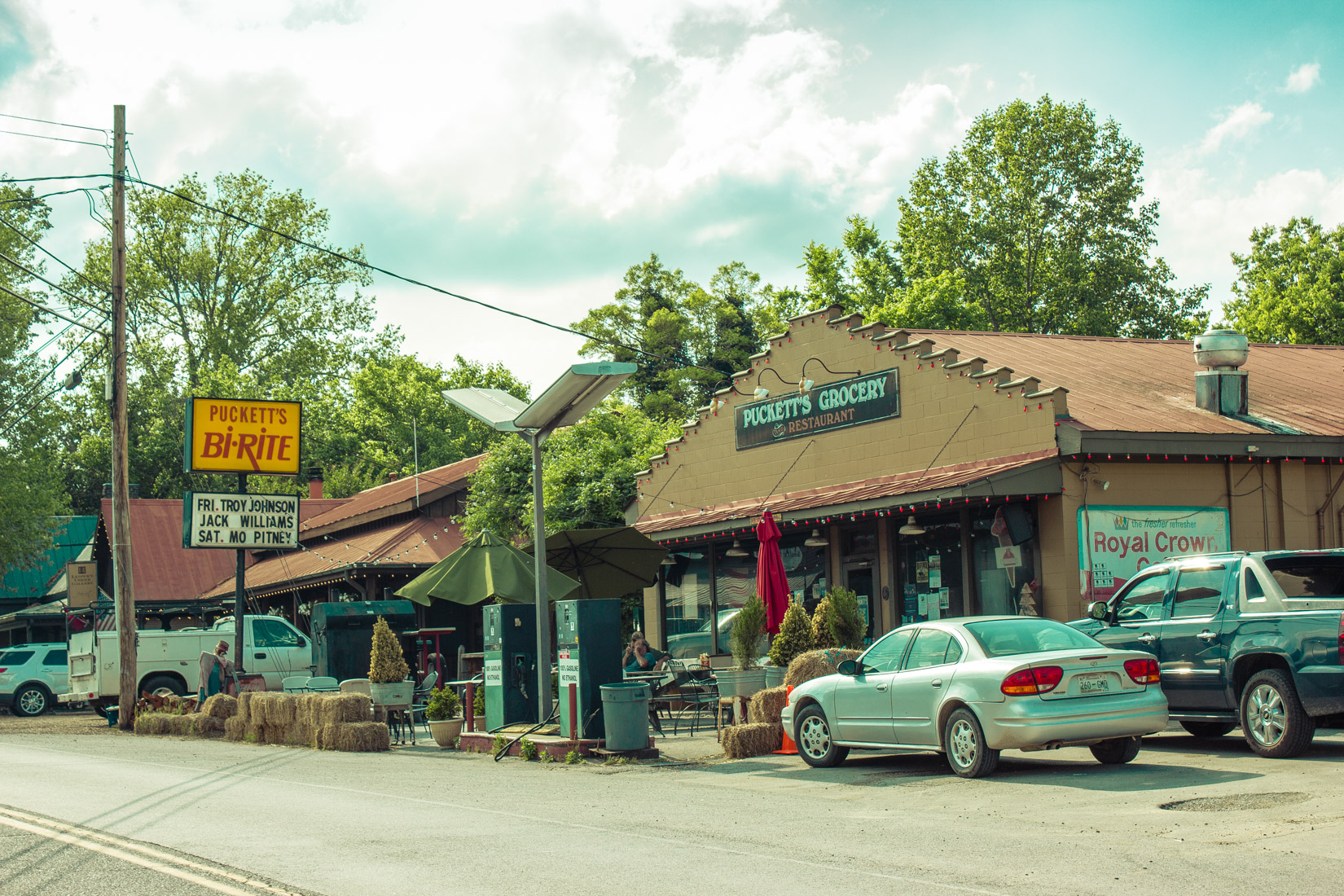 Leiper's Fork Pucketts Exterior