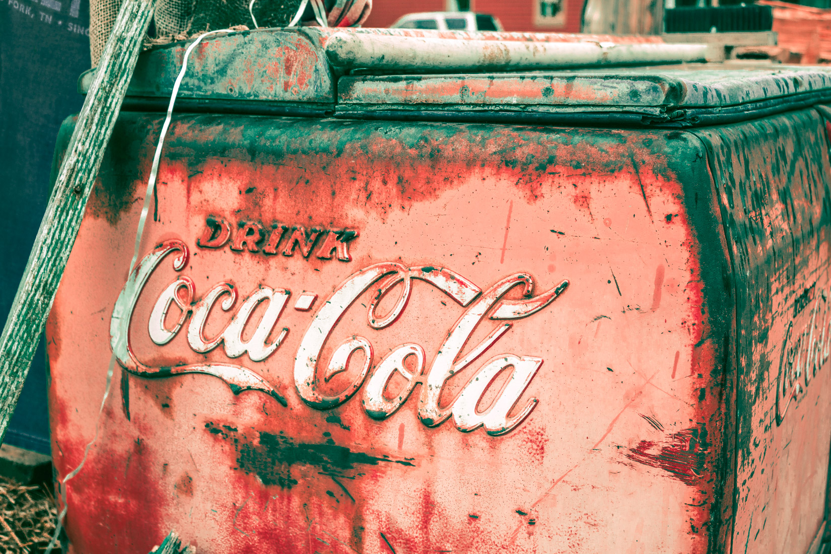 Rusty Coca-cola Cooler