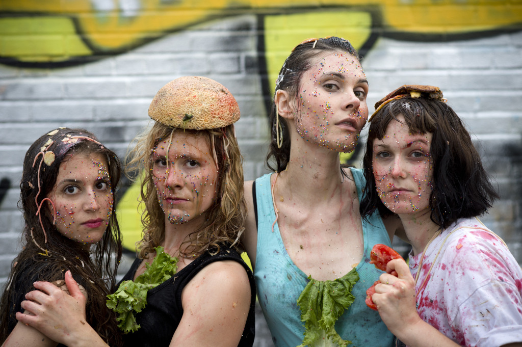 Gross! (L-R) Britt Dash, Inga Knoth, Ariel de Roo, Lar Vi, photo by Pascal Dumont