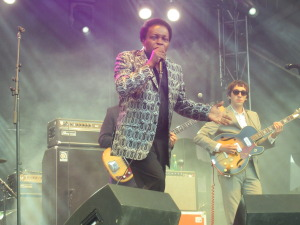 Lee Fields and The Expressions at Ottawa Folk Festival, Ottawa. Photo by Robyn Homeniuk