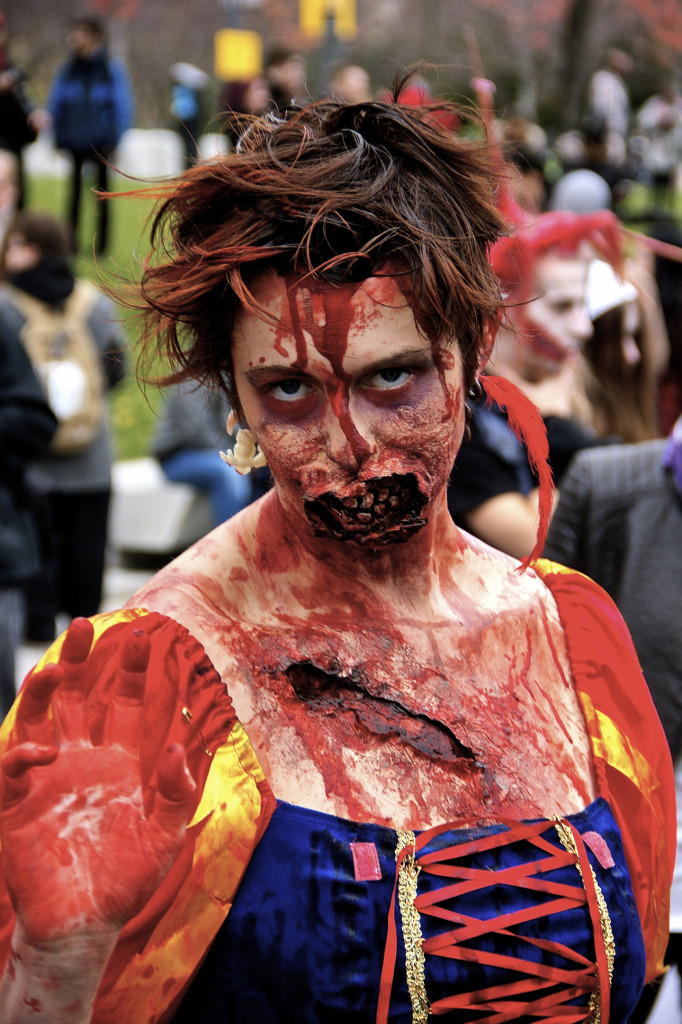 Snow White. Zombie Walk. Montreal. Photo Michael Bakouch.
