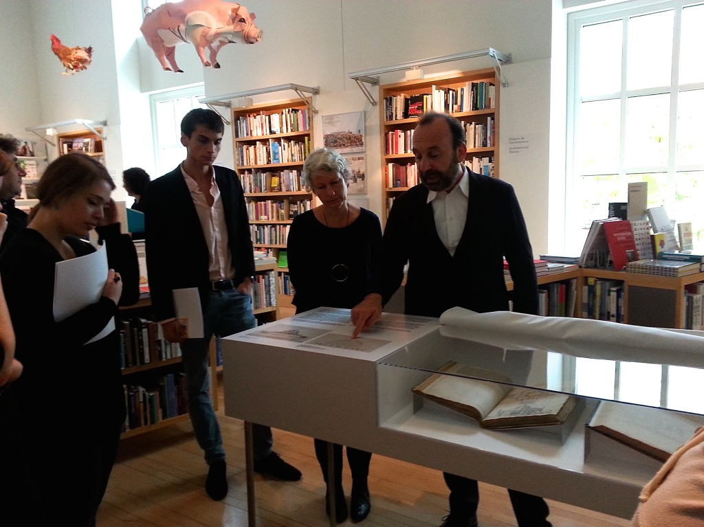 Guido Beltramini presenting the rare books. Photo by Annie Shreeve